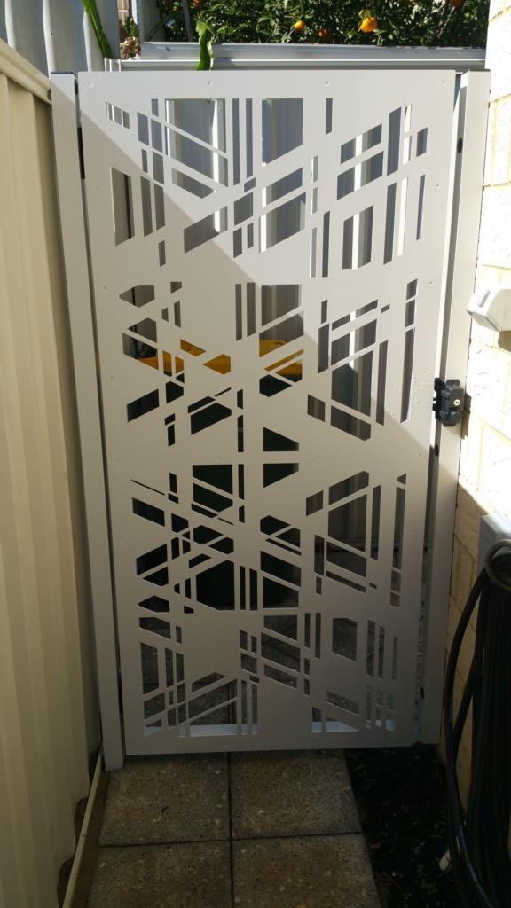 Aluminium Gate with Lasercut Screen (1)