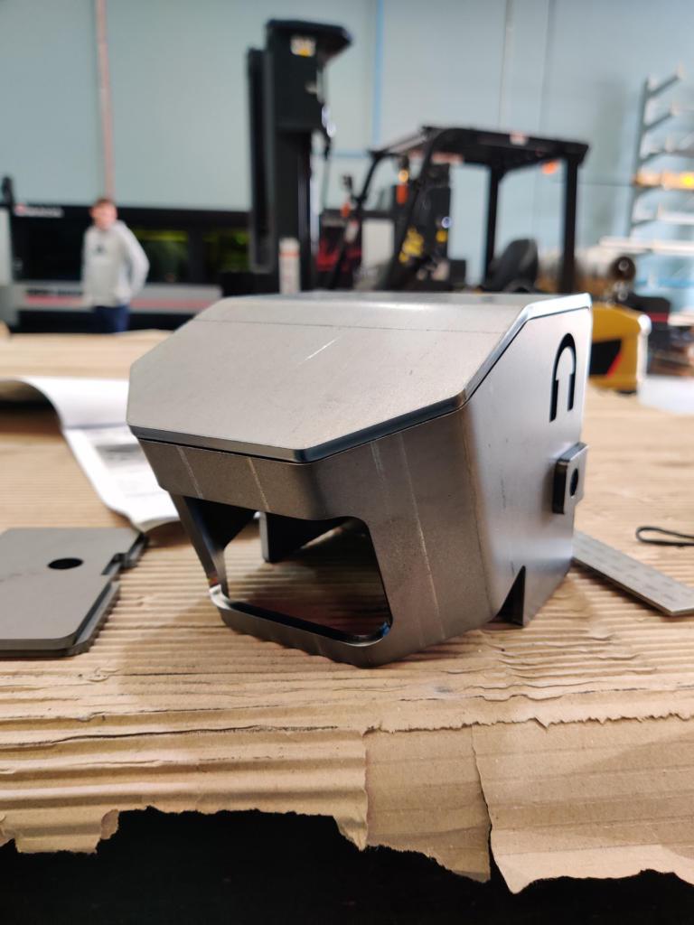 Camera Cover pressing (3)