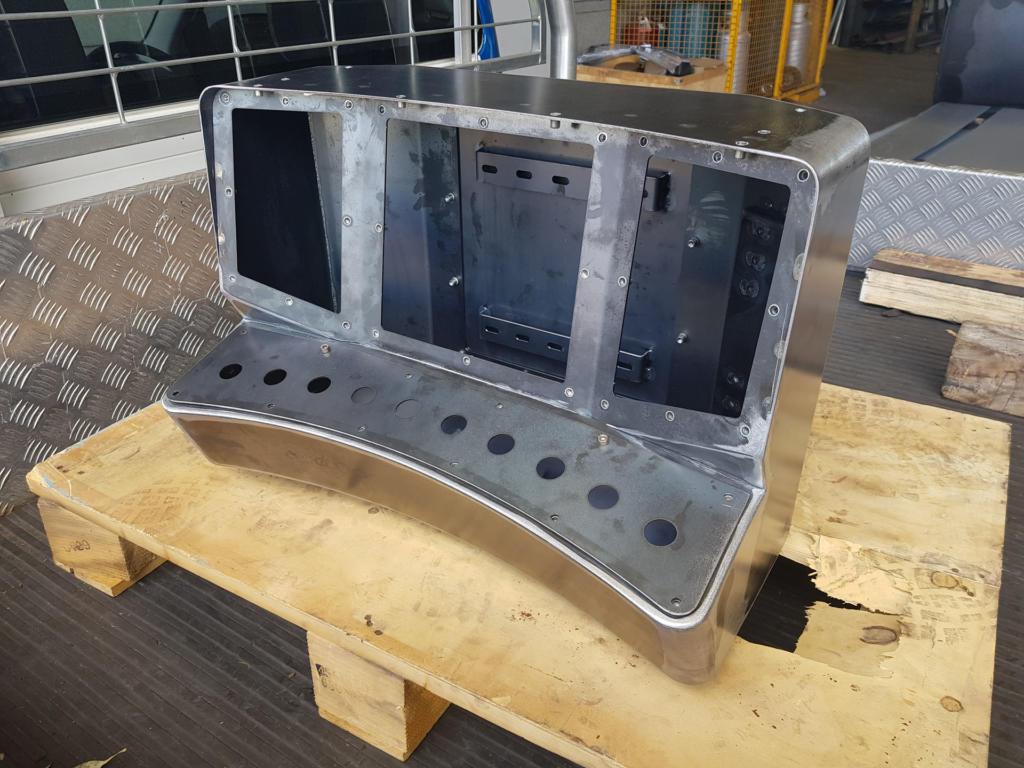 Console Fabrication